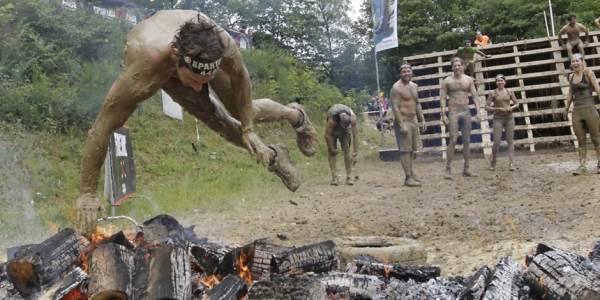 Entrenamiento de fuerza del tren superior en casa para preparar la Spartan Race