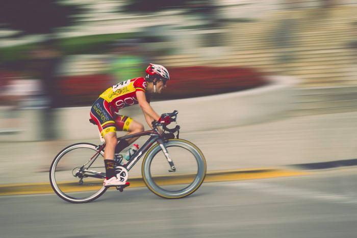 Calentamiento de caderas para bicicleta de carretera